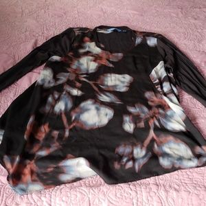 Simply vera wang top size xl in guc